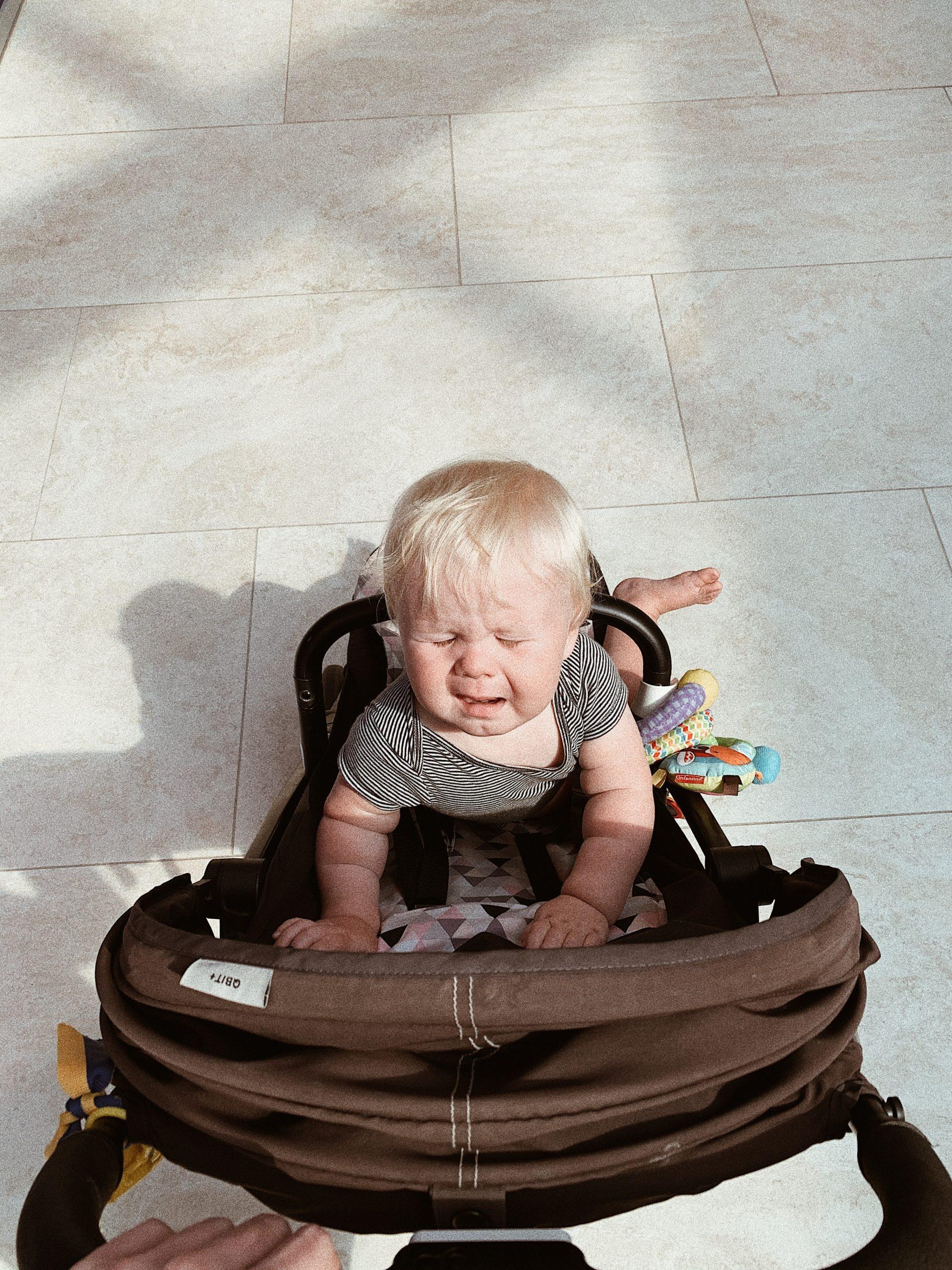 Plimbarea cu bebelușul în perioada verii